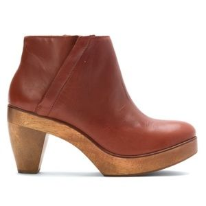 Kelsi Dagger Brooklyn Atena Clog/Booties